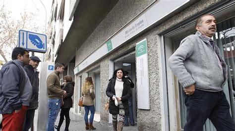 oficinas del desempleo el paro cay 243 en 345 personas en abril en la provincia de