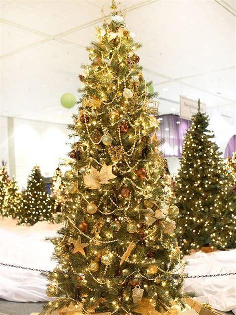 weihnachtsbaum dekoration 34 beautiful tree decorating ideas world