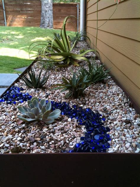 rocks for the garden best 25 river rock landscaping ideas on