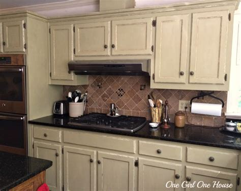 where to place kitchen cabinet handles 28 where to place kitchen cabinet knobs placement