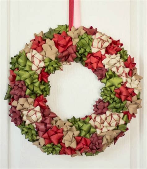 decorating wreaths ideas 21 diy wreath decorating ideas