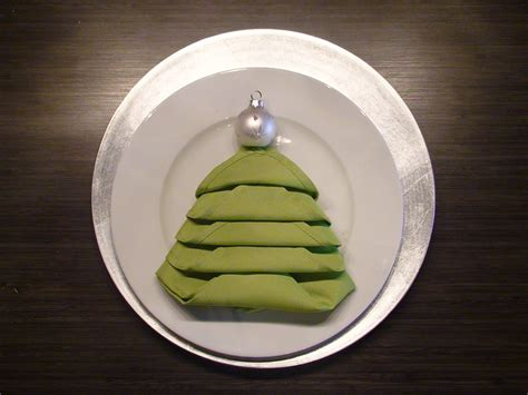 servietten falten weihnachtsbaum designs studio co a tree napkin