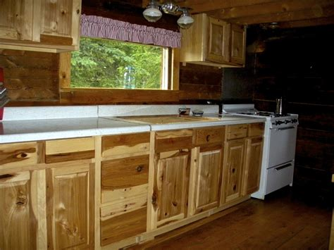 lowes hickory kitchen cabinets lowe s kitchen cabinets hickory cabin style explore