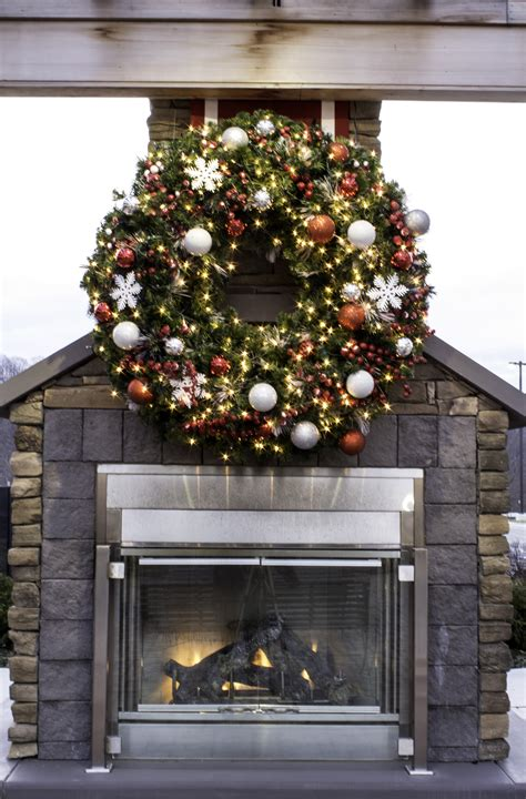 large lighted wreath large outdoor lighted wreaths lizardmedia co