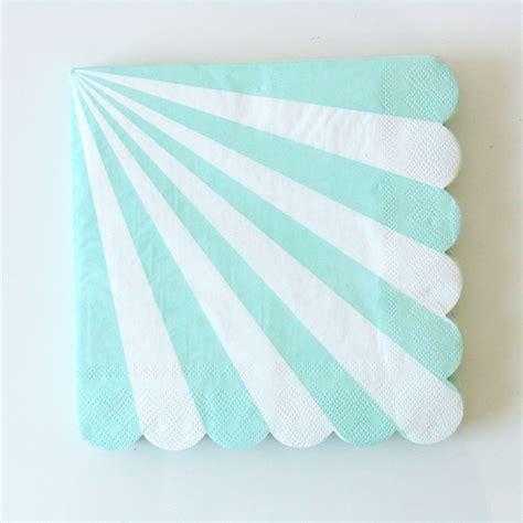serviettes jetables en papier rayures vert d eau sweet day