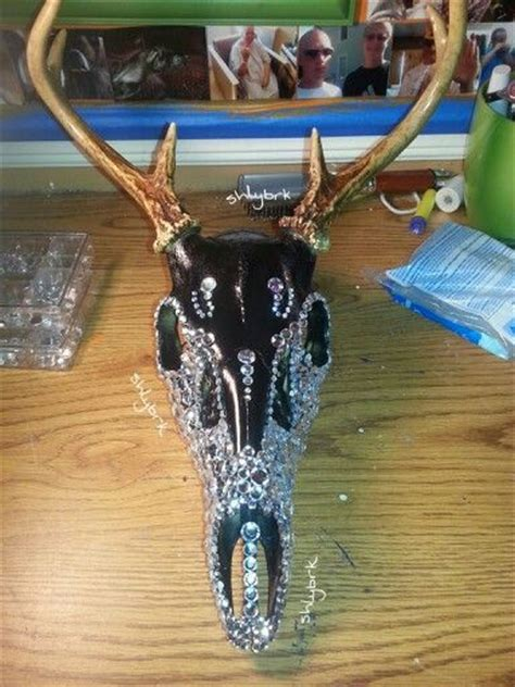 spray paint deer my finished deer skull project spray painted black i