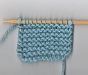 knit vs purl a read recognizing the knit and purl stitches