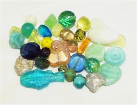 the bead file uranium glass white background jpg wikimedia