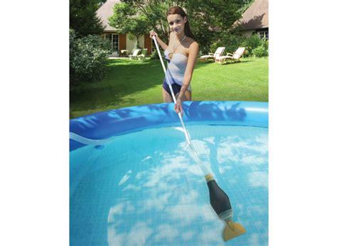balai aspirateur manuel pour piscine hors sol skooba vac