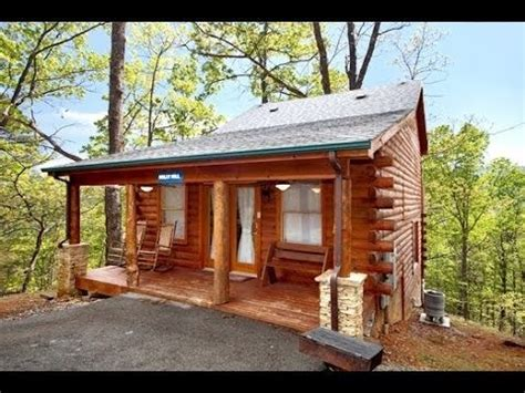 2 bedroom log cabin log cabins for sale in gatlinburg tn lovely sky harbor pigeon forge tn for sale 2 bedroom 3 bath