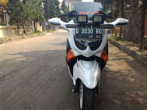 Modifikasi Vespa Moge by Modifikasi Yamaha Nmax Ala Scooter Moge Jadikan Yamaha