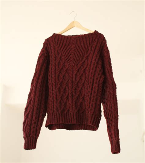maroon cable knit sweater vintage made cable knit burgundy sweater size medium