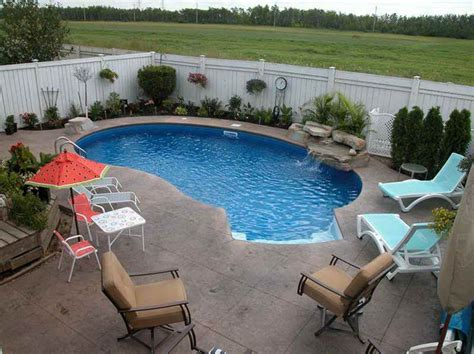 pictures of backyard pools 25 best ideas about small backyard pools on