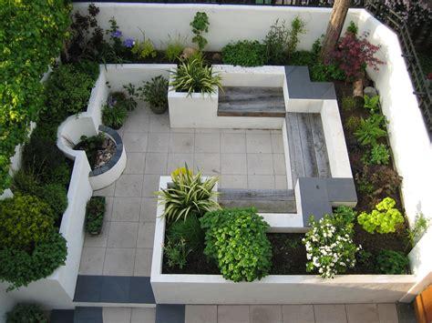courtyard ideas this modern courtyard garden makes use of a small
