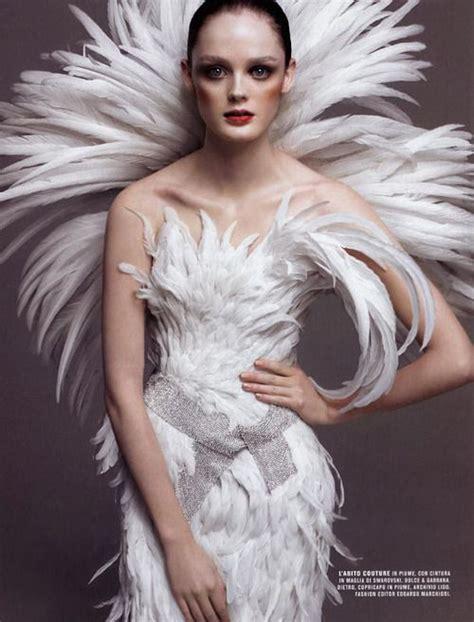Frau Fuß 5310 by Swan Princess Fashion Photografie Federn