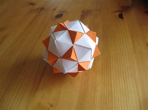 origami shape origami shapes 04 triangles by jezzerz219 on deviantart