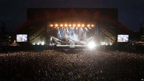 read stage news in pictures reading and leeds festivals
