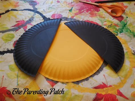 bumble bee paper plate craft b is for bumblebee paper plate craft parenting patch