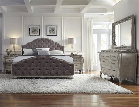 4 bedroom furniture set pulaski furniture rhianna upholstered 4 bedroom set