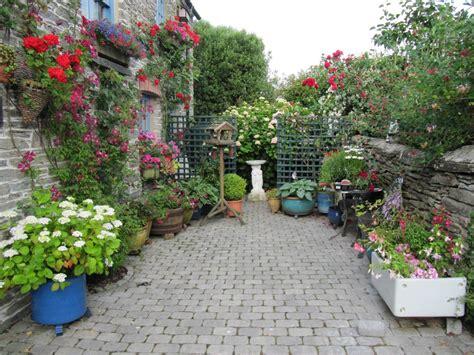 flower garden at home 10 garden ideas for small spaces ward log homes
