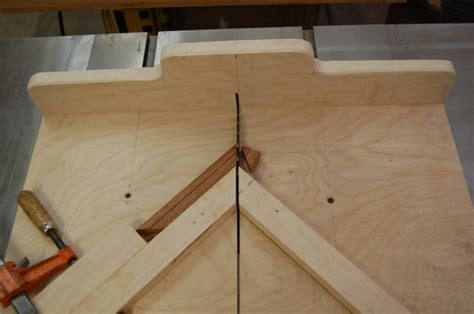 woodworking cuts table saw miter sled the apprentice and the journeyman
