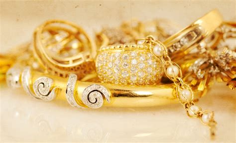 buy gold for jewelry estate jewelry buying what you should when selling