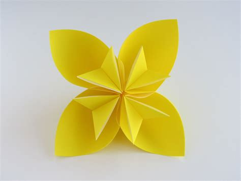 how to make easy origami flowers easy origami kusudama flower doovi