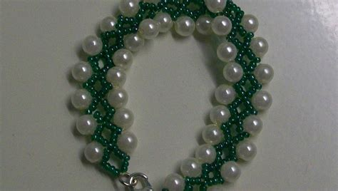seed bead patterns for beginners beading for the beginners a bracelet of green seed