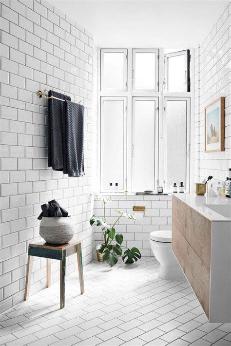bathrooms with subway tile ideas 1000 ideas about subway tile bathrooms on