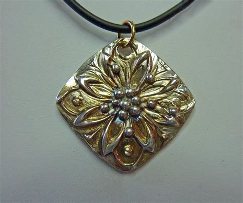 classes for jewelry discover precious metal clay jewelry artist carrie story