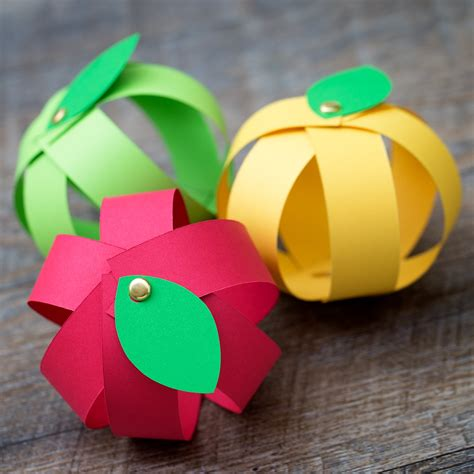 crafts using paper strips easy paper apple craft for