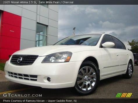 2005 Nissan Altima Sl by Satin White Pearl 2005 Nissan Altima 2 5 Sl Charcoal