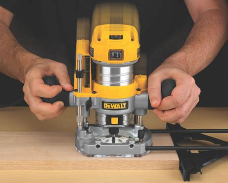 woodworking reviews dewalt launches new compact router fixed plunge base