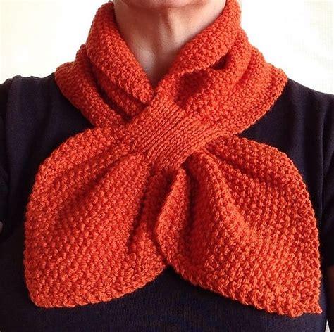 knitting moss stitch scarf moss stitch keyhole scarflette pattern by jo klim
