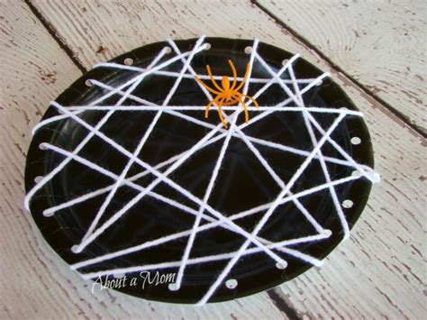 paper plate spider craft along came a spider eekologist about a