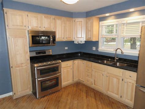 paint color for kitchen with maple cabinets harmonious kitchen paint colors with maple cabinets