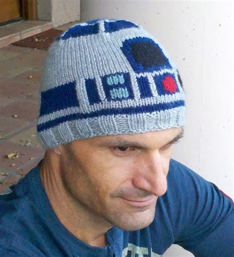 r2d2 hat knitting pattern knitted r2 d2 sweater and hat randommization