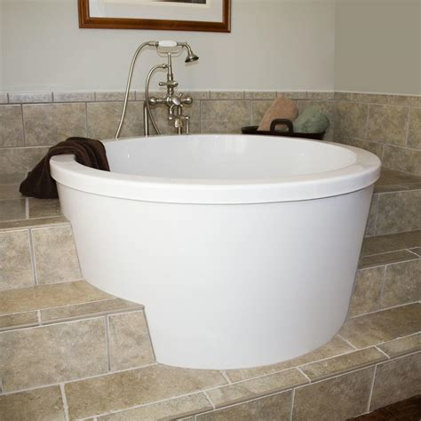 Spa Tubs For Small Bathrooms by Small Whirlpool Bathtubs Walk In Tubs Reviews