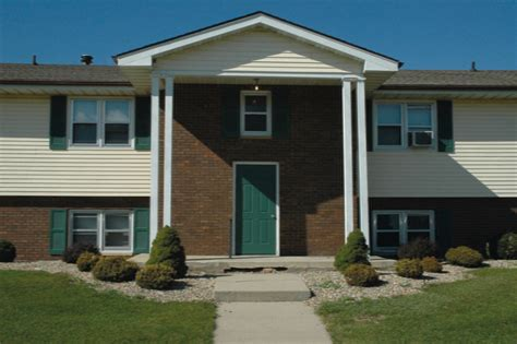 2 bedroom apartments in bloomington il todd drive apartments rentals bloomington il