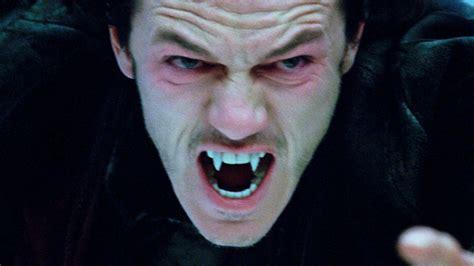 Dracula The Fangs
