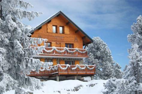 location chalet de luxe mountain lodge chalet grand confort au pied des pistes 6 9 ou 15 pers