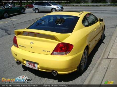 2005 Hyundai Tiburon Se by 2005 Hyundai Tiburon Se Sunburst Yellow Black Photo 4