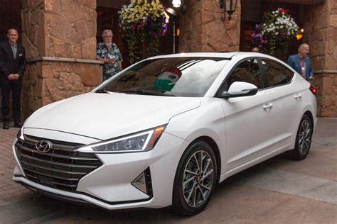 Hyundai Elantra 2019 by 2019 Hyundai Elantra Debuts Compact Car Adds Safety Tech