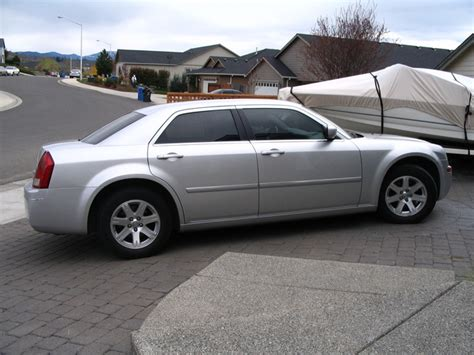 books about how cars work 2007 chrysler 300 spare parts catalogs 2007 chrysler 300 pictures cargurus