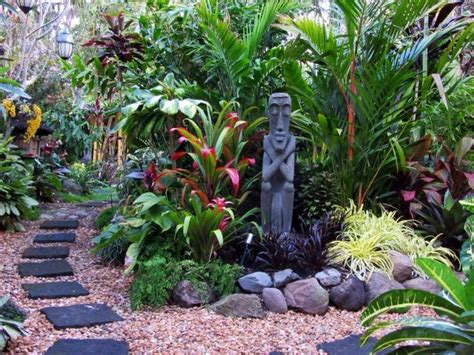 tropical backyard design ideas 25 best ideas about tropical gardens on