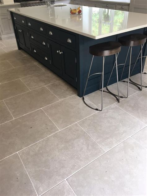 best tile for kitchen floor 23 best images about kitchen flagstones and floor tiles on