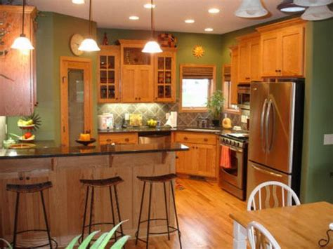 paint colors kitchen honey oak cabinets honey oak kitchen cabinets with black countertops and