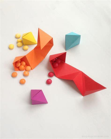 origami into diy origami favor tutorial triangle origami folds