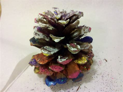 pine cone crafts be brave keep going painted pine cones