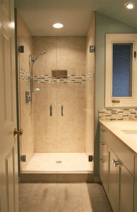 remodeling ideas for small bathroom best 25 small bathroom ideas on tile
